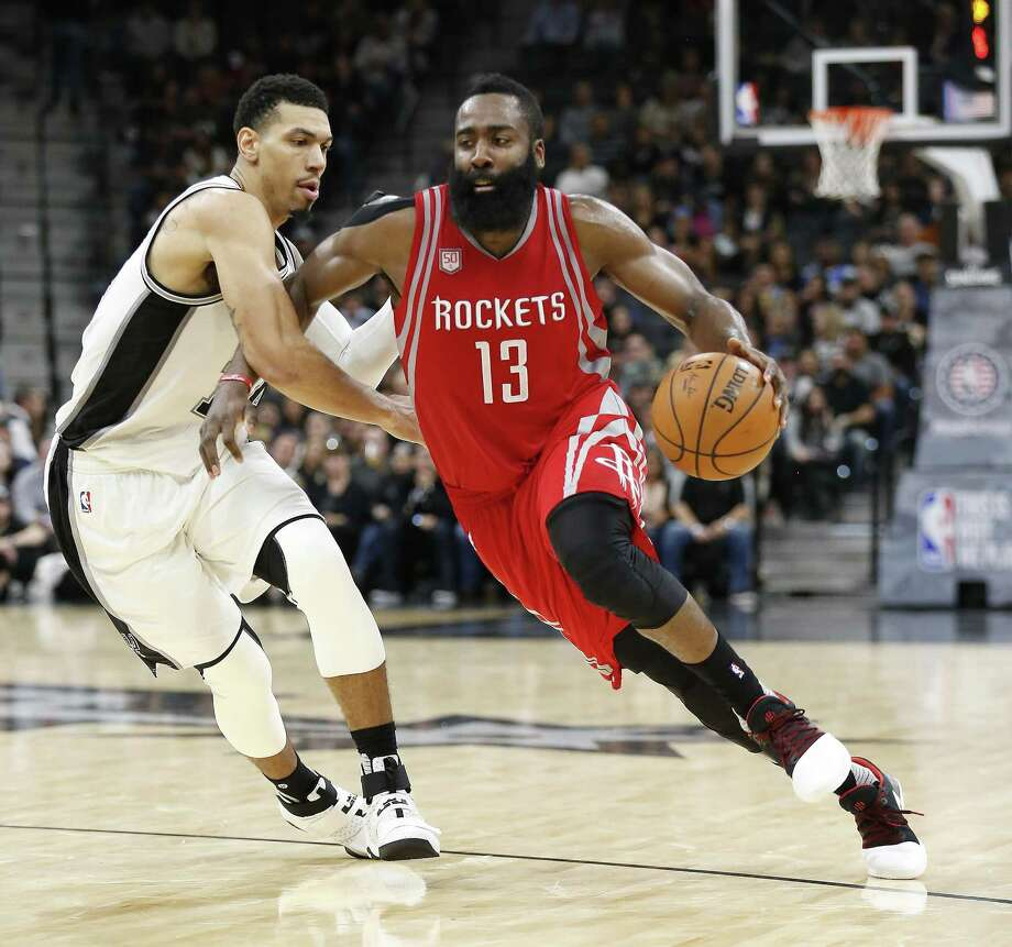 Spurs' Danny Green attempts to defend the Houston Rockets' James Harden (13) during at the AT&T Center on Nov. 9, 2016. Photo: Kin Man Hui /San Antonio Express-News / ©2016 San Antonio Express-News