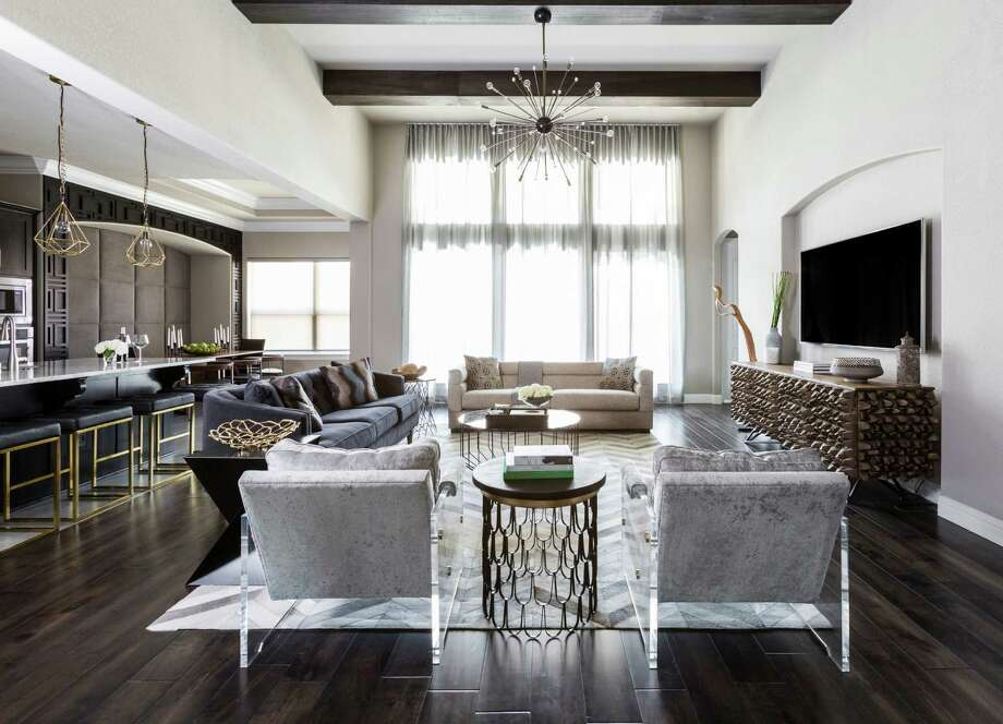 Photo of the interior of the Sugar Land home of Azmina Momin. Photo: Julie Soefer / Julie Soefer Photography