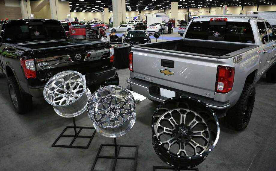 Auto Show Brings Slew Of Highend Luxury Cars Large Trucktesting - San antonio car show