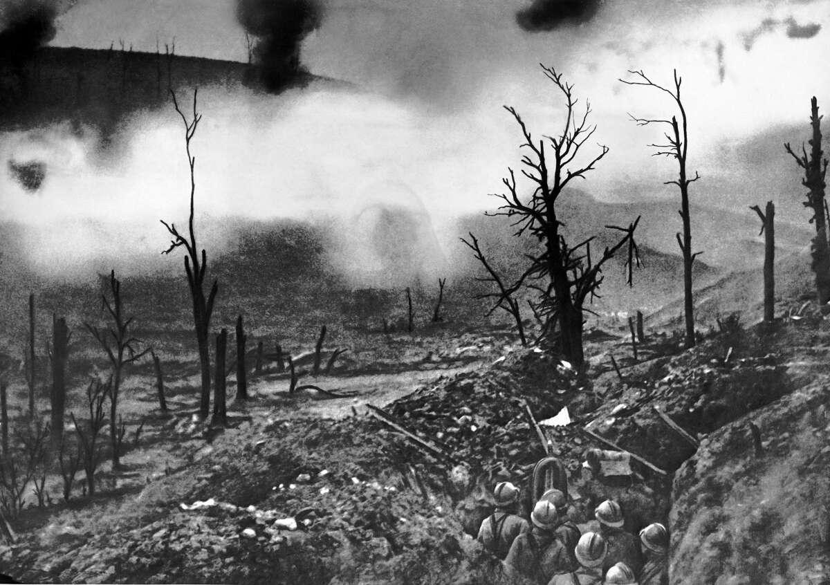 Verdun French infantry facing a curtain of fire in front of Fort Vaux, Verdun, Verdun, France, June 1916.