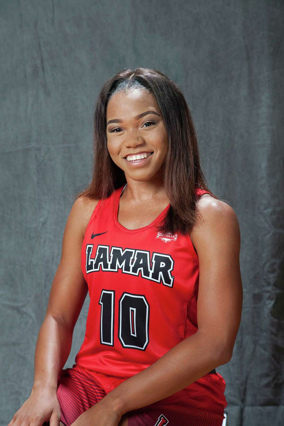 Chastadie Barrs Pos: G Height: 5-8 Class: Sophomore Experience: 1L
