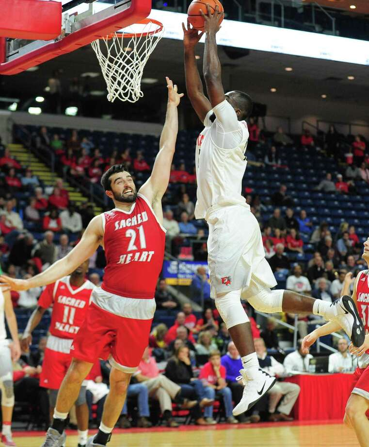 Men's college basketball action between Fairfield University and Sacred Heart University at the Webster Bank Arena in Bridgeport, Conn. on Friday Nov. 11, 2016. Photo: Christian Abraham / Hearst Connecticut Media / Connecticut Post