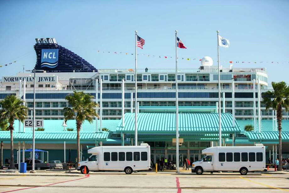 The port authority has signed a contract with Auto Warehousing Co. to use its failed cruise terminal for auto imports. Photo: Brett Coomer, Staff / © 2015 Houston Chronicle