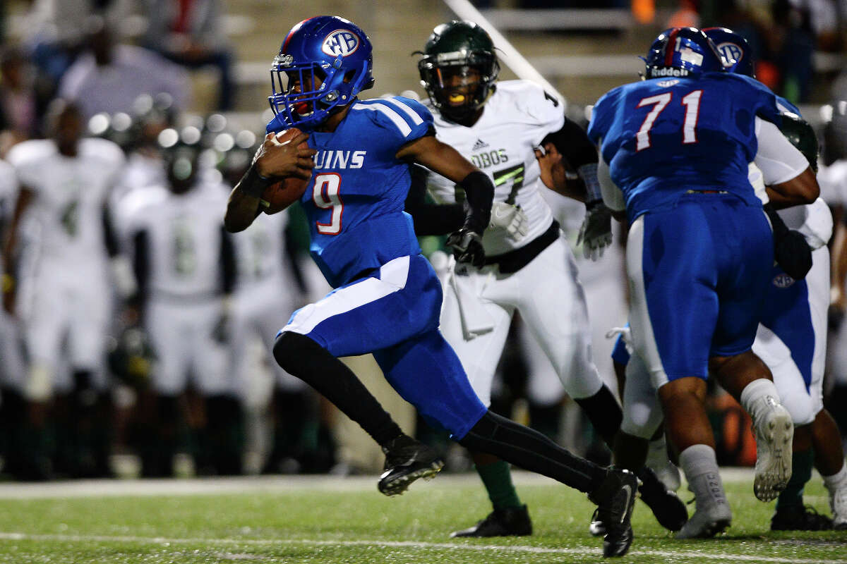 L'Ravien Elia School: West Brook Position: QB Notes: Elia has taken over the starting quarterback role and flourished. The junior had almost 300 total yards and a pair of touchdowns in last week's loss to The Woodlands. If this year's game versus Lufkin is anything similar to last year's - a 70-63 West Brook win - Elia will need to step up.