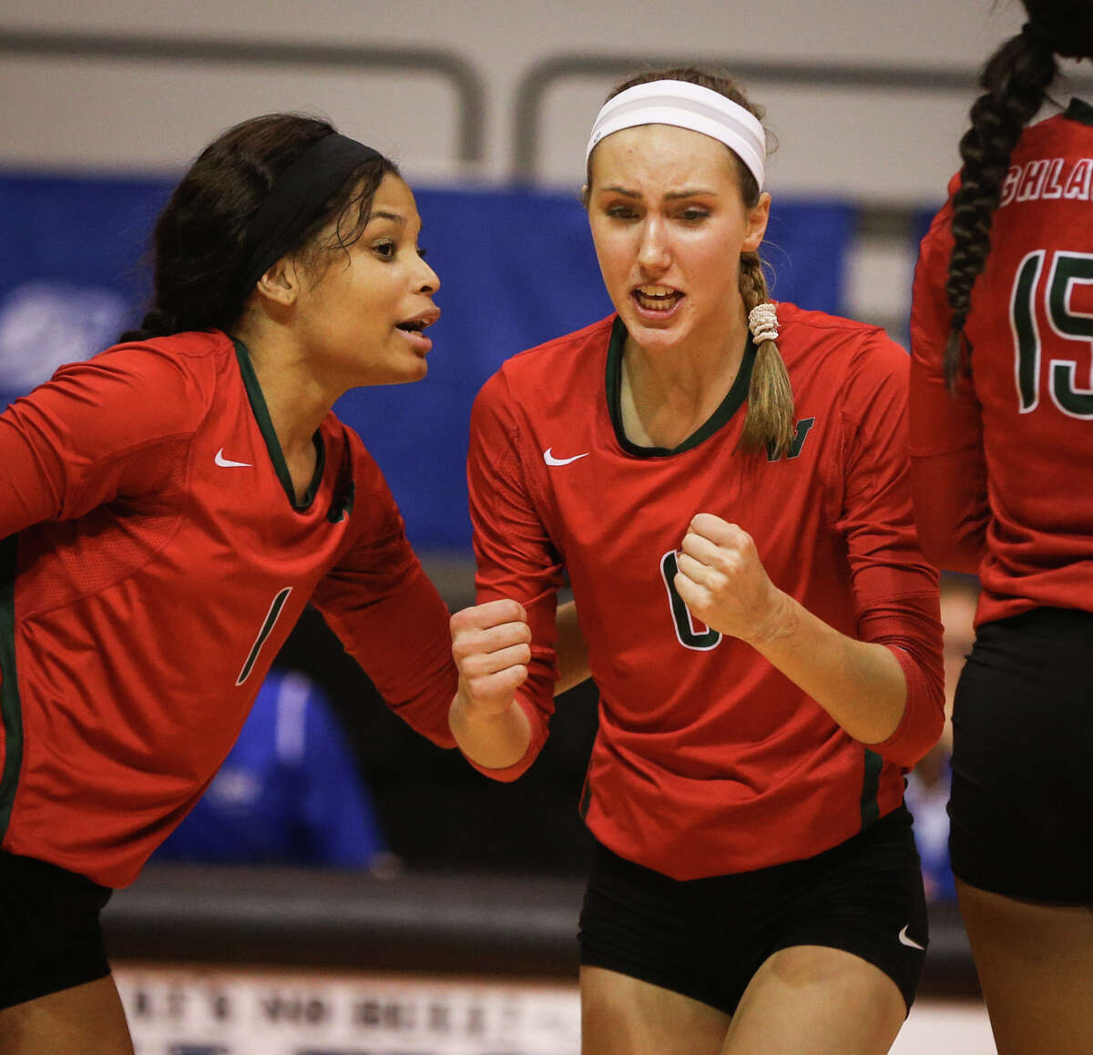 The Woodlands' Courtney Heiser (6) rallies with teammates during the varsity volleyball game against Westwood on Friday, Nov. 11, 2016, at Johnson Coliseum in Huntsville, Texas. (Michael Minasi / Chronicle)