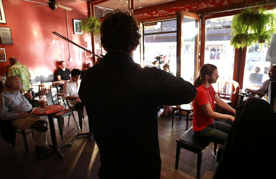 Ian Scarfe on piano and Alex Volontz on viola. Photo: Michael Macor, The Chronicle
