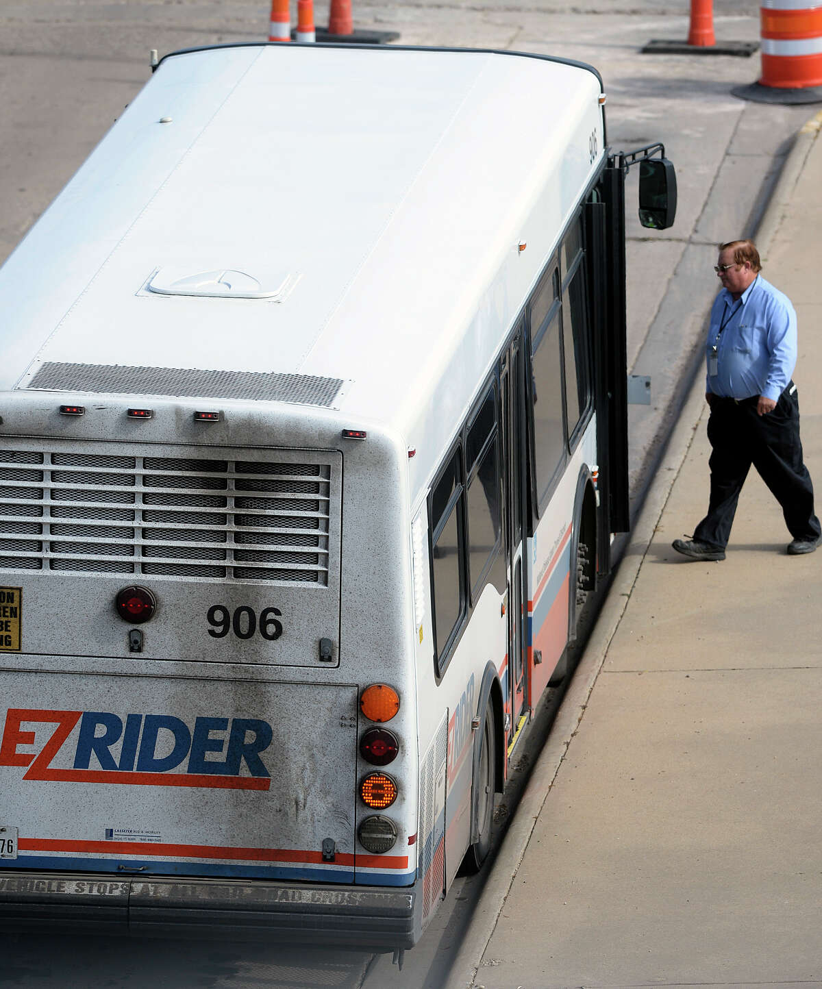 An EZ Rider driver returns to his bus at the downtown stop located at N. Weatherford and E. Texas Ave on Saturday, Nov. 12, 2016. James Durbin/Reporter-Telegram