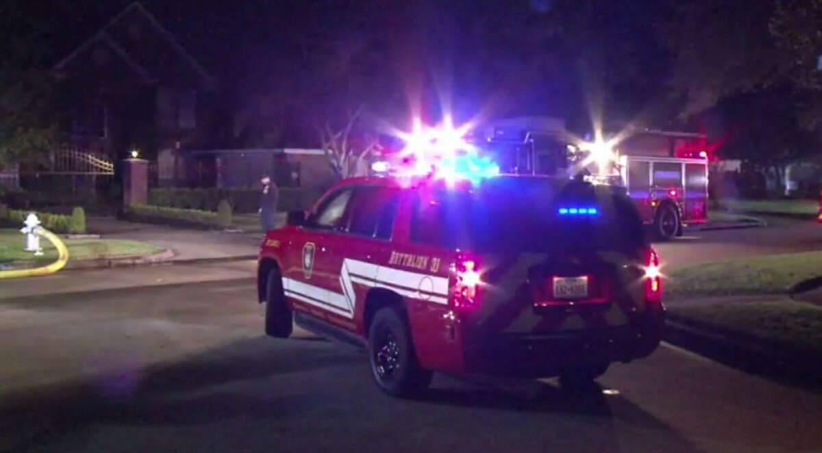 A Missouri City family escaped to safety after an overnight house fire.