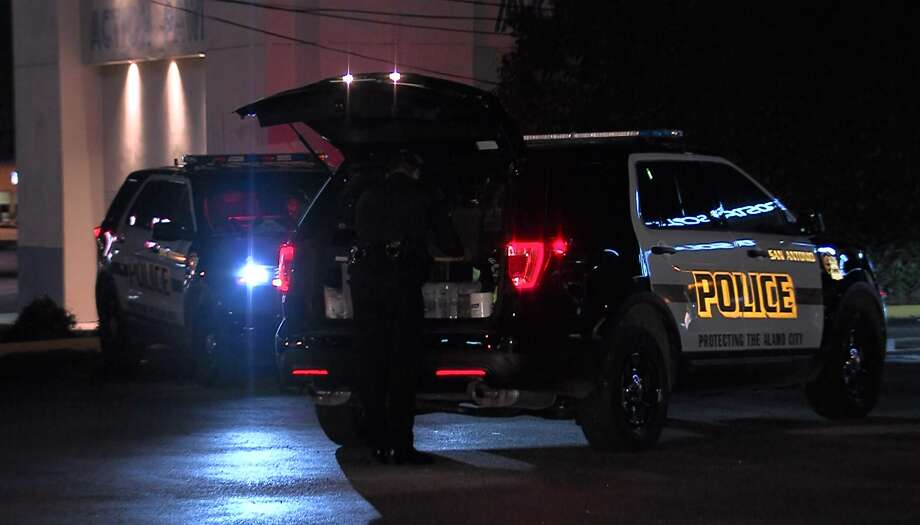 San Antonio police say four people were injured in a shooting Sunday morning, Nov. 13, 2016, on the Northeast Side. Two suspects are still on the loose. Photo: Pro 21 Video