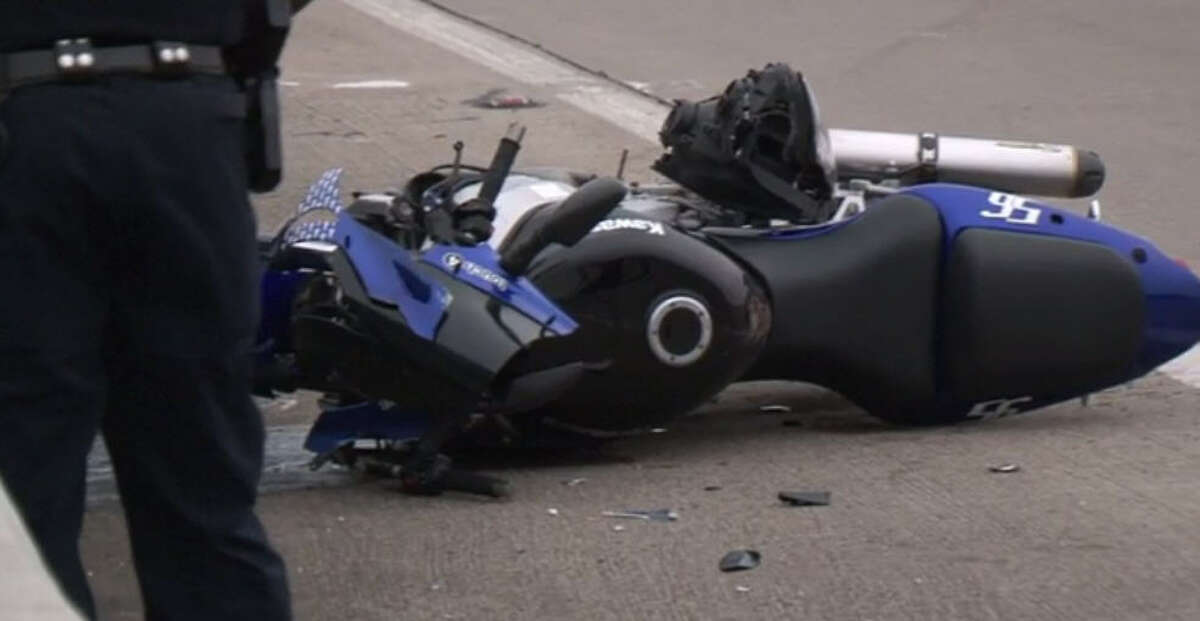 A motorcyclist died in a high-speed crash Sunday morning after failing to negotiate a curve on a south Houston highway, according to police. The motorcycle rider was traveling at a high rate of speed when he lost control hit the guard rail, HPD Sgt. Karl Harris told reporters on scene. The victim flew off the bike and was thrown about 45 feet. He died at the scene.
