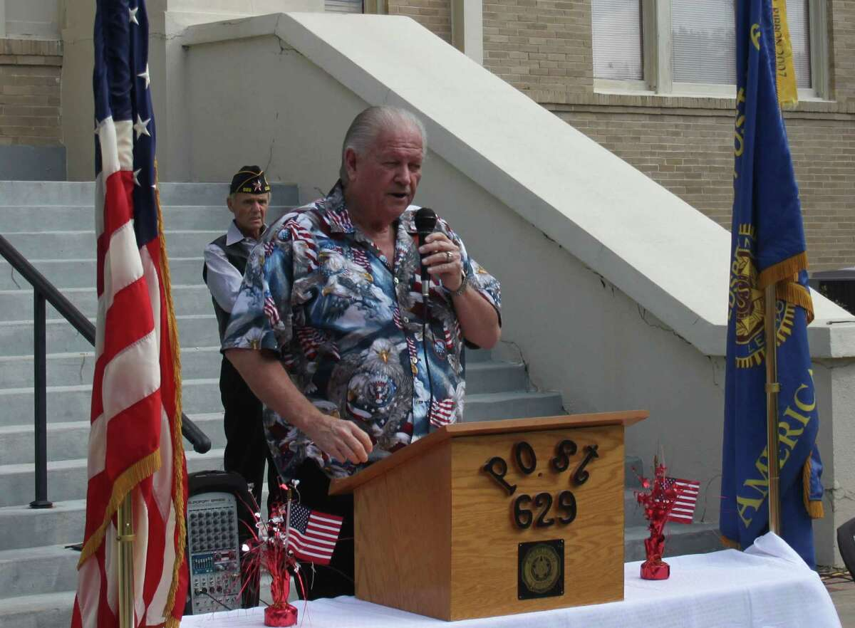 Dale Everitt of American Legion Post 629 gives a speech on the importance of First Amendment rights, noting the lack of communication without government consent in nations such as Nicaragua.