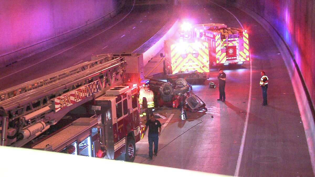A man who fell 20 feet onto the lower lanes of Interstate 35 near downtown died early Monday, Nov. 14, 2016, according to police.