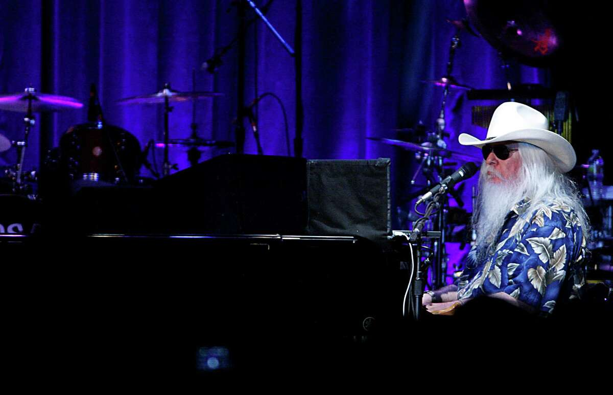 Songwriter/piano man Leon Russell performs with Elton John on Nov. 3, 2010, at the Palladium in Hollywood, Calif. (Luis Sinco/Los Angeles Times/TNS)