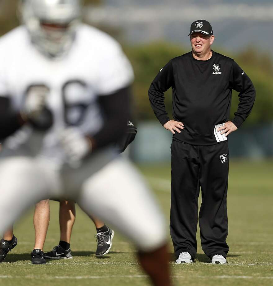 The Raiders' Bill Musgrave is in his fifth stint as an offensive coordinator, with several NFL stops as quarterbacks coach. Photo: Scott Strazzante, The Chronicle
