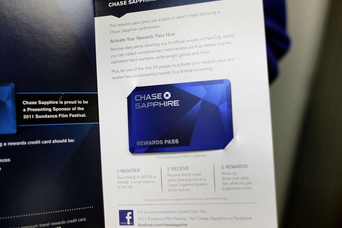 Card name: Chase Sapphire Preferred Card (best of 2016) Best used for: Travel rewards and large bonus Bonus value: $500 Annual fee: $95, waived first year NerdWallet likes it for: Foreign travel, large sign-up bonus, flexible rewards, status