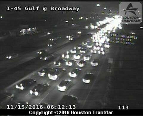 8-vehicle accident blocks I-45 Gulf Freeway near 610 South