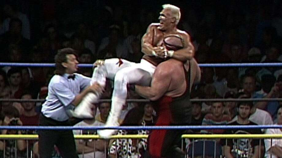 PHOTOS: See pro wrestlers who tragically died young ...Leon White (in red), who held a famous feud with Sting (left) during the 1990s in World Championship Wrestling, announced on Twitter that he only has two years to live. Photo: WWE/WCW
