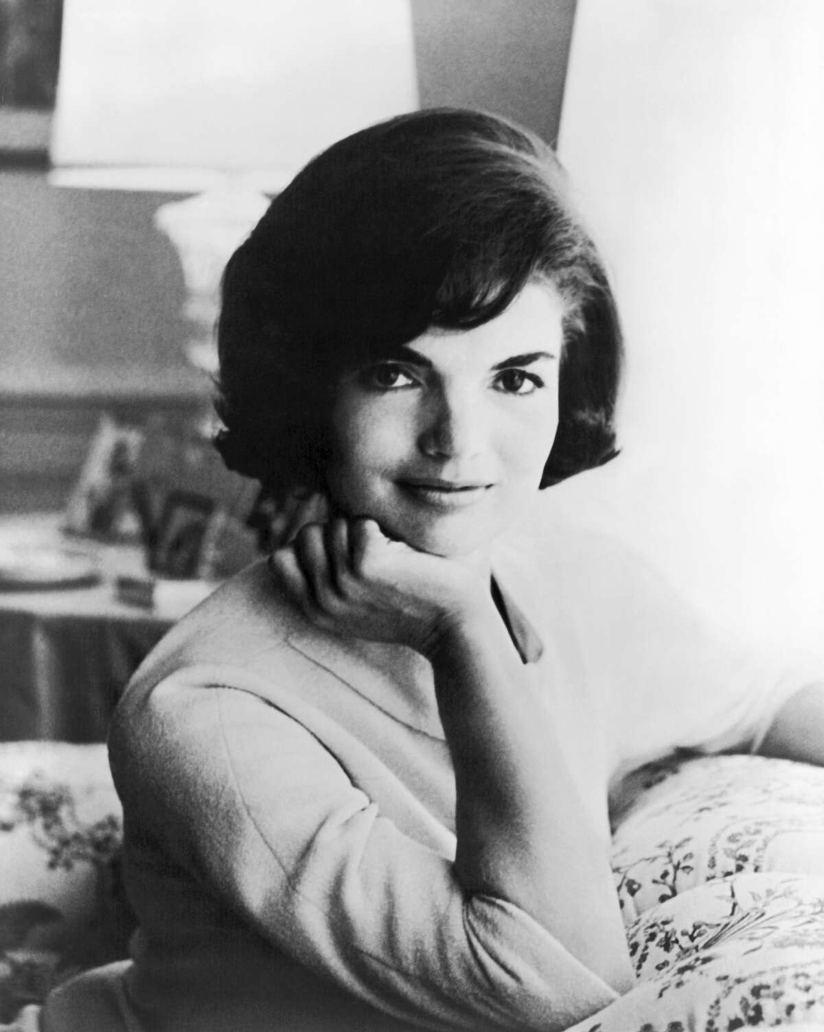 First ladies from youngest to oldest: First Lady:Jaqueline Kennedy(July 28, 1929 - May 19, 1994) President: John F. Kennedy(35th) (Jan. 20, 1961 - Nov. 22, 1963) Age atInauguration: 31 years, 5 months