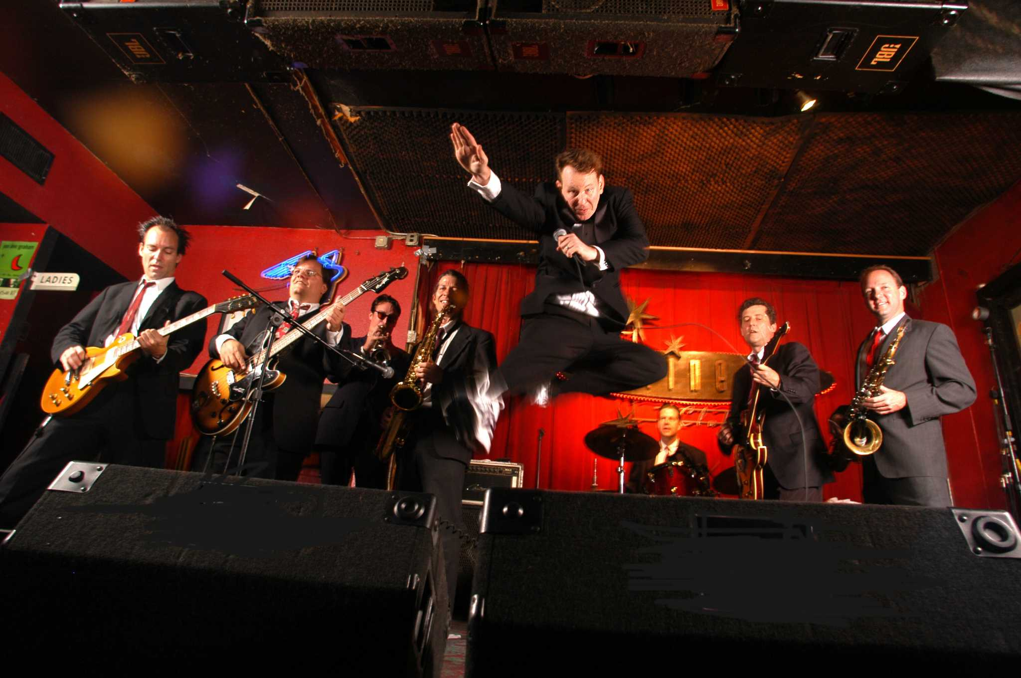 Allen Oldies Band continues love affair with 1960s music ...