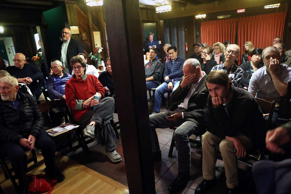 Residents listen to discussion about proposed 150 unit Christian Church Homes development during Forest Hill Board of Directors meeting in San Francisco, Calif., on Monday, November 14, 2016.
