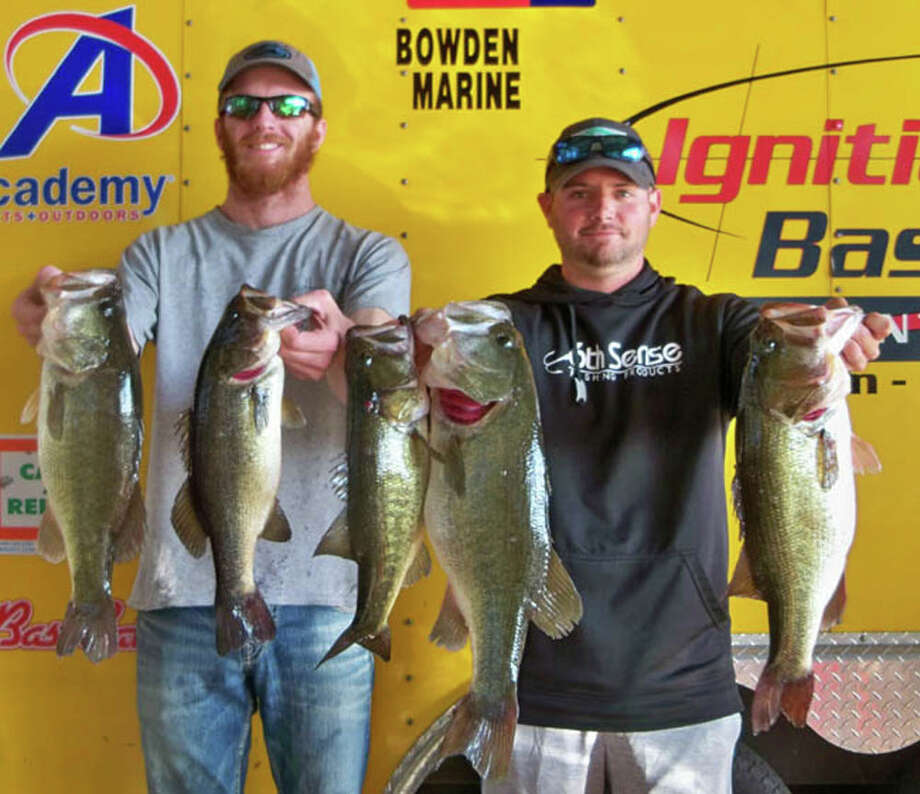 Tyler Goetzman and Kyle Nitschke won the Ignition Bass Fall Tournament with a total stringer weight of 21.17 pounds. Photo: Ignition Bass
