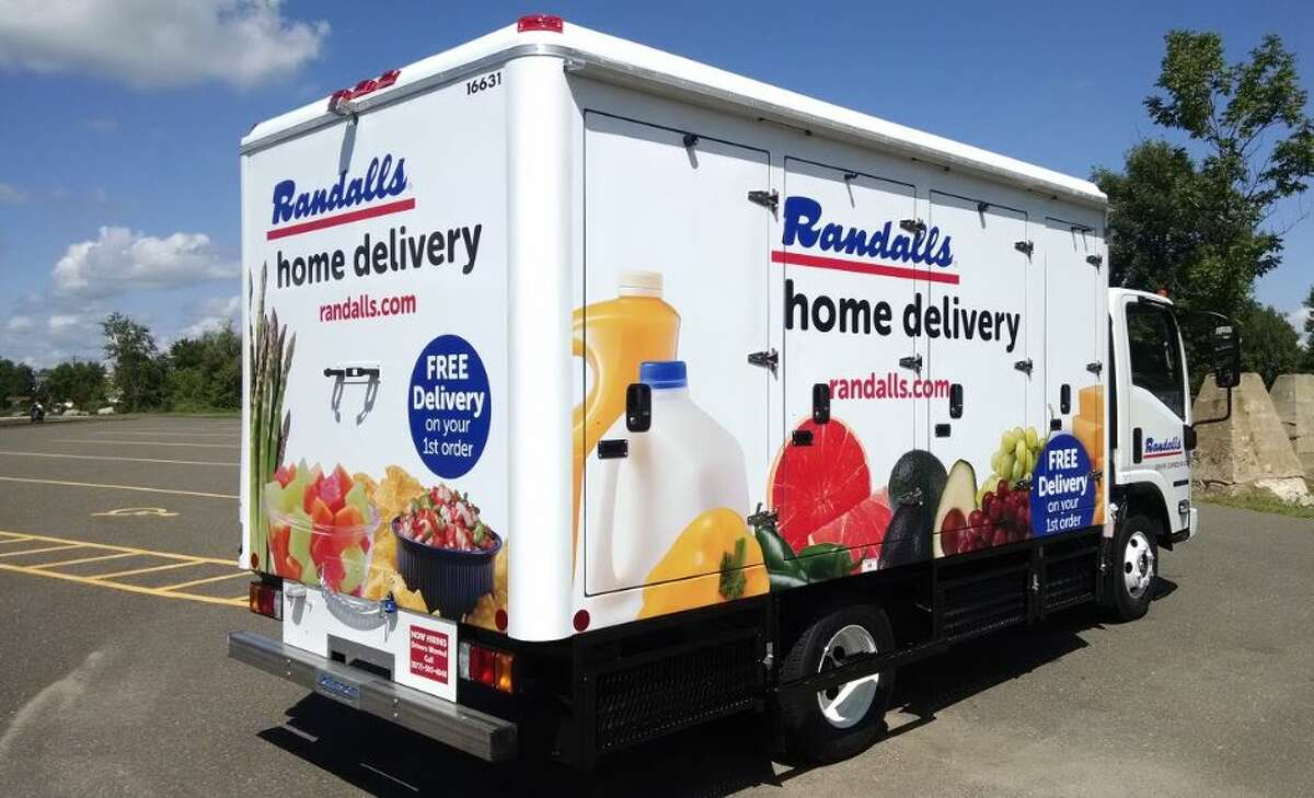 Randalls plans to close one of its Katy-area locations in February.