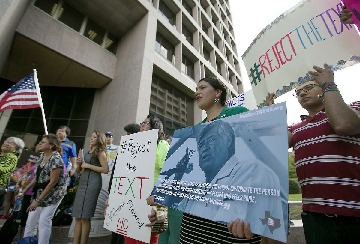 Last year, about 100 people filled the the State Board of Education's meeting room in Austin, most railing against