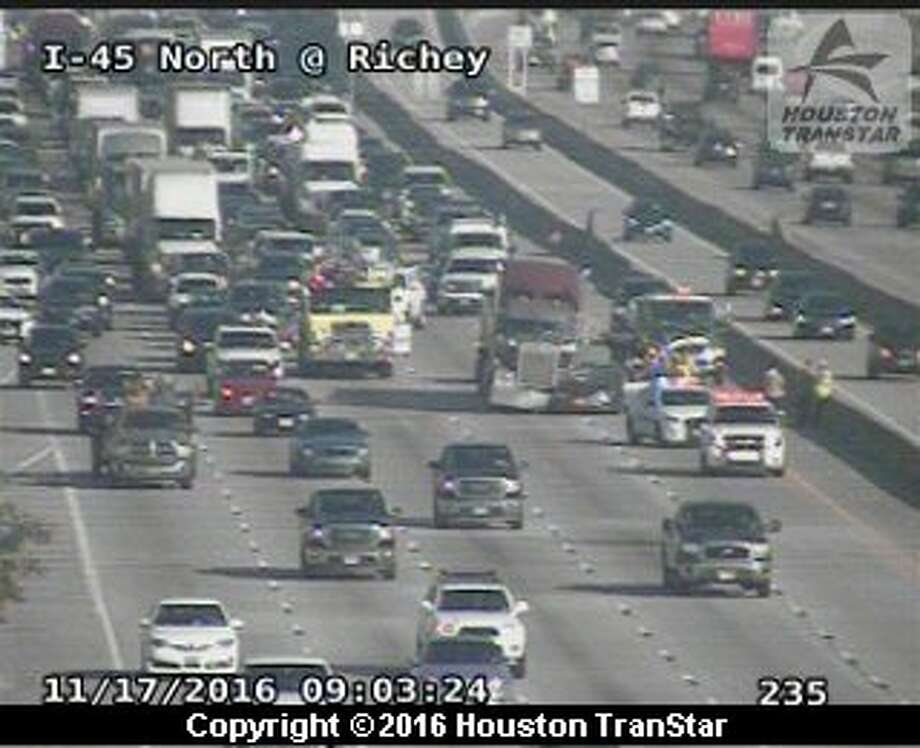 Six-mile slowdown hits I-45 after accident - San Antonio