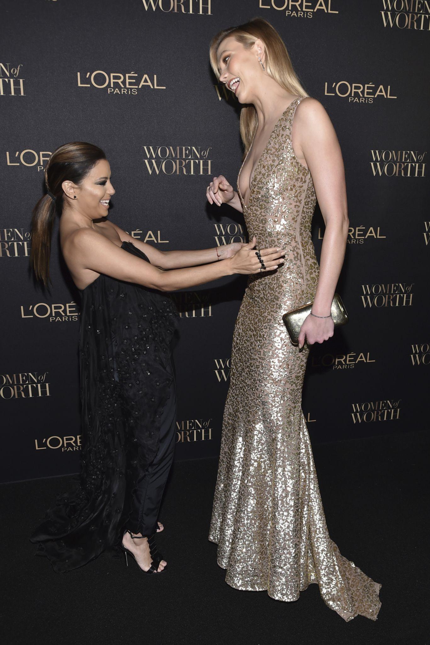 Photos Eva Longoria Poses With Towering Victoria S Secret