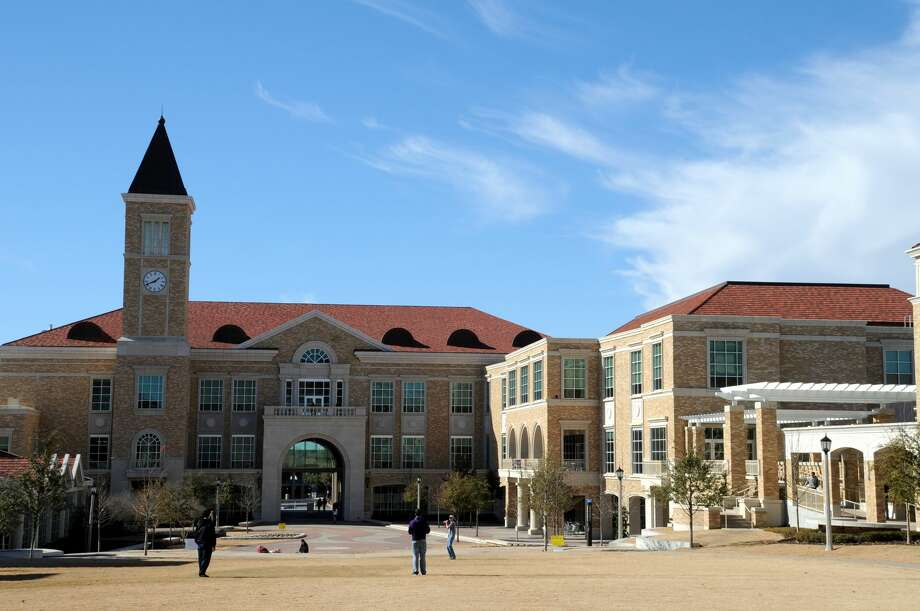 Texas Christian UniversityAverage starting salary: $52,900Average mid-career salary: $94,300Princeton Review return on investment rating: 87/99 Photo: David Kozlowski#67402/Moment Editorial/Getty Images