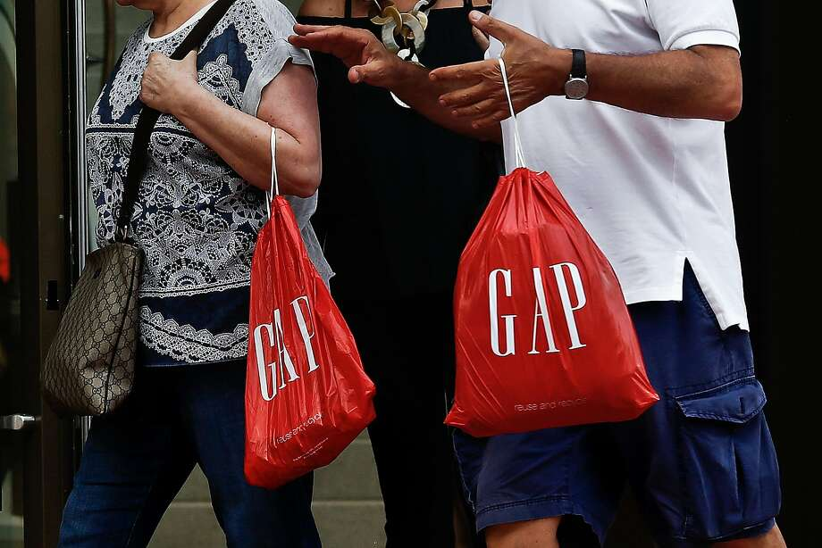 Gap shares fell after the San Francisco company reported weak earnings. Photo: Scott McIntyre, Bloomberg
