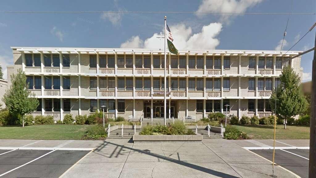 Kennedy Catholic Memorial High School: BurienTop colleges score: ACollege  enrollment: 70