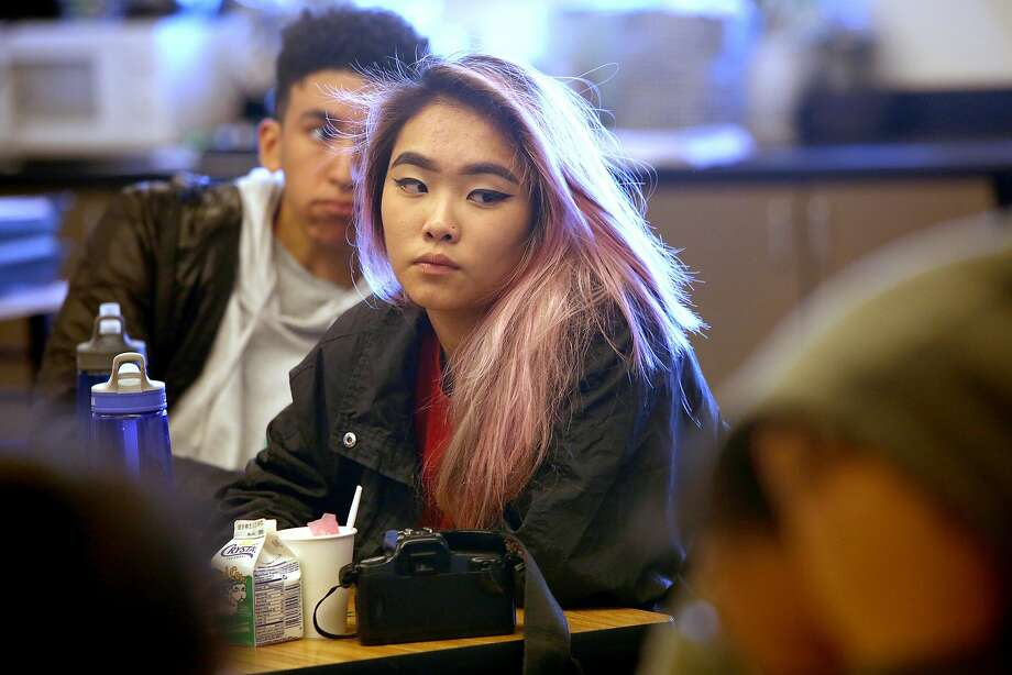 Eleventh grade student Jessica Fong talks about how she checks news information in history teacher Valerie Ziegler's class as she teaches sourcing at Lincoln High School on Thursday, November 17, 2016, in San Francisco, Calif. Photo: Liz Hafalia, The Chronicle
