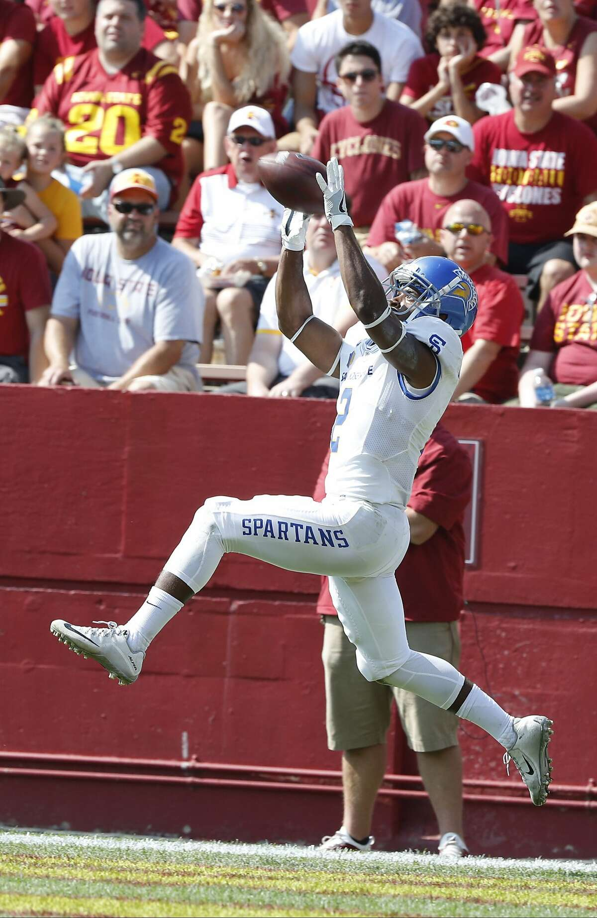 AMES, IA � SEPTEMBER 24: Wide receiver Tim Crawley #2 of the San Jose State Spartans pulls in a touchdown pass in the second half of play against the Iowa State Cyclones at Jack Trice Stadium on September 24, 2016 in Ames, Iowa. The Iowa State Cyclones won 44-10 over the San Jose State Spartans.(Photo by David Purdy/Getty Images)