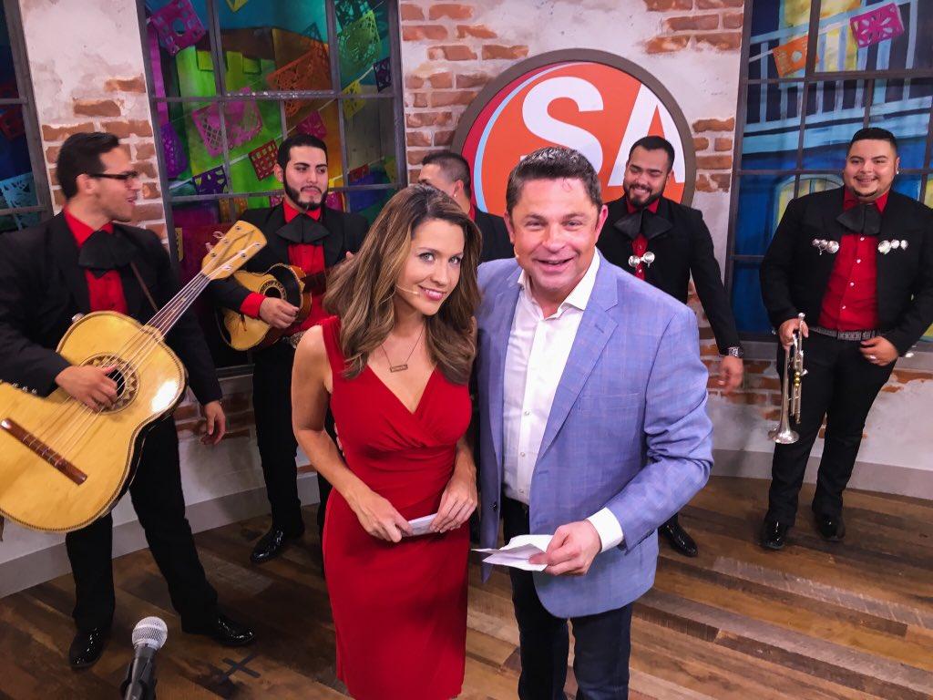 Popular San Antonio TV host Jeff Roper exits KSAT - San Antonio
