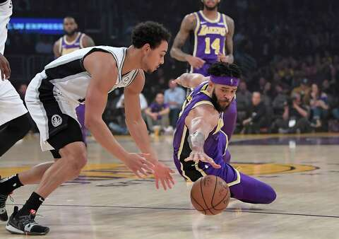 ef26df6710c5 LeBron James leads Lakers past reeling Spurs - San Antonio Express-News