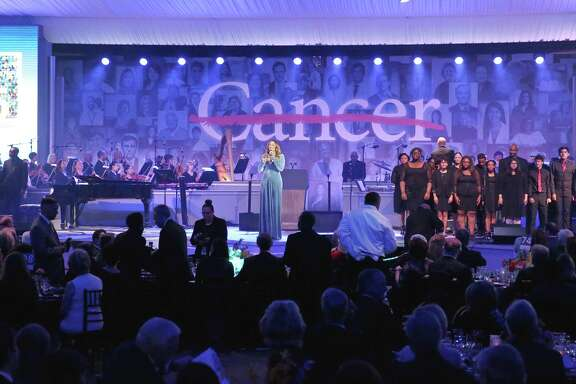 Grammy Awards winner Yolanda Adams performs with local high school students at the 75th Anniversary Gala of University of Texas MD Anderson Cancer Center Thursday, Nov. 10, 2016, in Houston. (Yi-Chin Lee / Houston Chronicle )