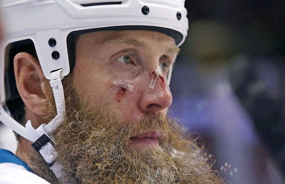 Joe Thornton, who makes the Sharks go, has only two goals in the first 17 games, but he does have 10 assists. Photo: Ross D. Franklin, Associated Press