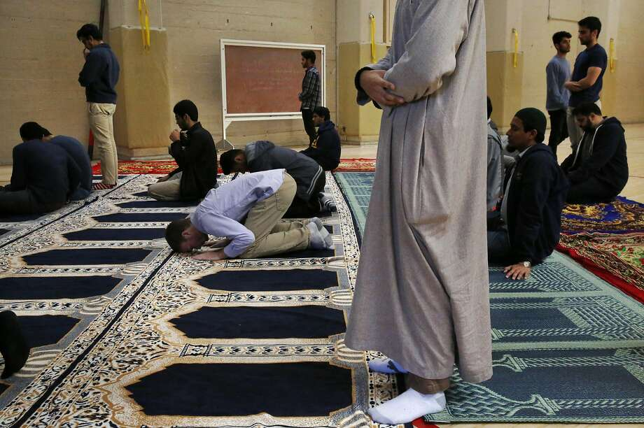 Students participate in prayer session held by the Muslim Student Association on the UC Berkeley campus Nov. 18, 2016 in Berkeley, Calif. Photo: Leah Millis, The Chronicle