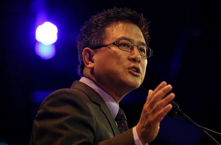 California State Treasurer John Chiang addresses the California Democratic Party Convention in May 2015. Chiang has said his office will no longer invest in Wells Fargo securities, go through Wells Fargo to buy stocks or bonds, or appoint the bank to underwrite certain bond offerings. (Irfan Khan/Los Angeles Times/TNS)