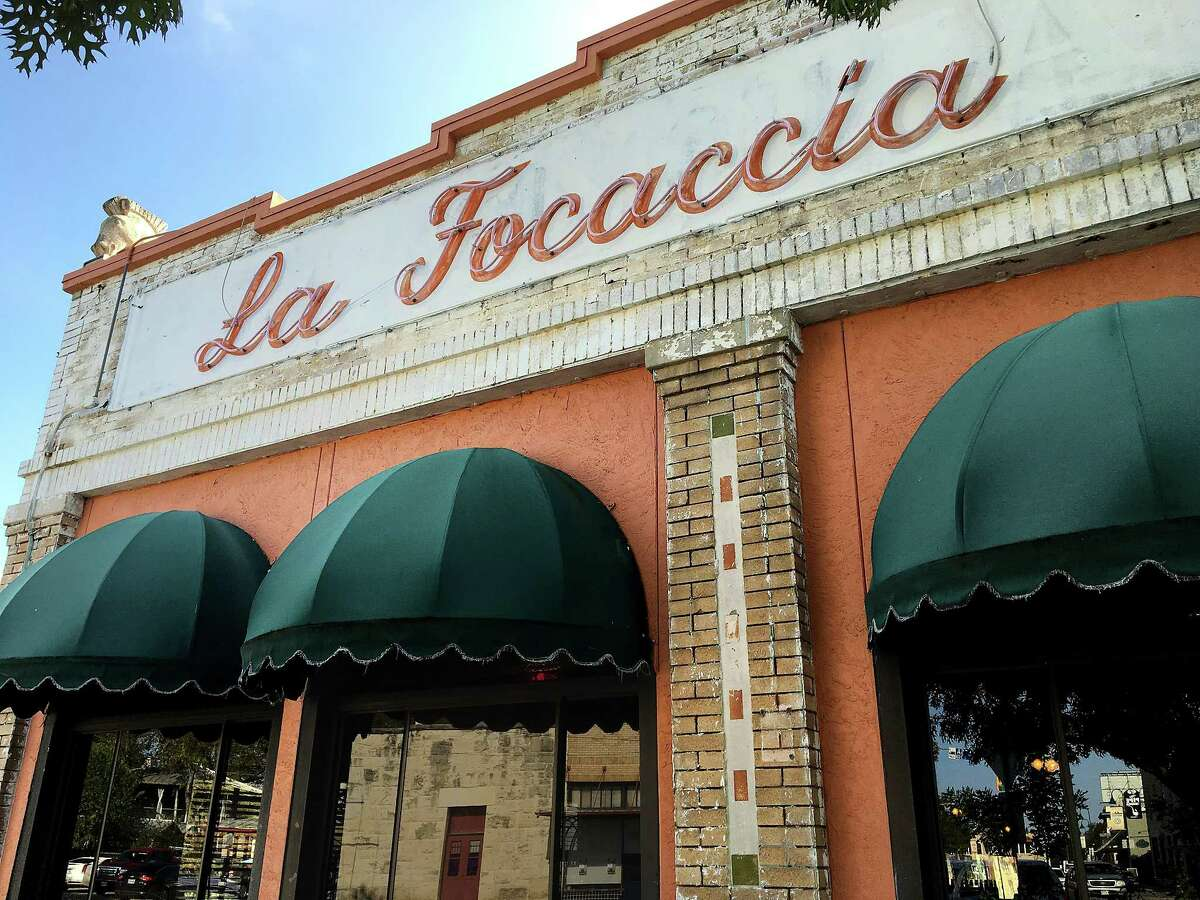 La Focaccia Italian Grill: 800 S. Alamo StreetDate: 11/13/2018 Score: 76Highlights: Observed dead and live roaches in the backroom and storage. Observed food stored uncovered in reach-in cooler uncovered. Non-use chemicals stored randomly stored in the backroom. The establishment needs to be sure and store personal medicine area away from food. No certified food manager present at the time of inspection. Ready-to-eat foods stored in cooling units were not labeled with dates.