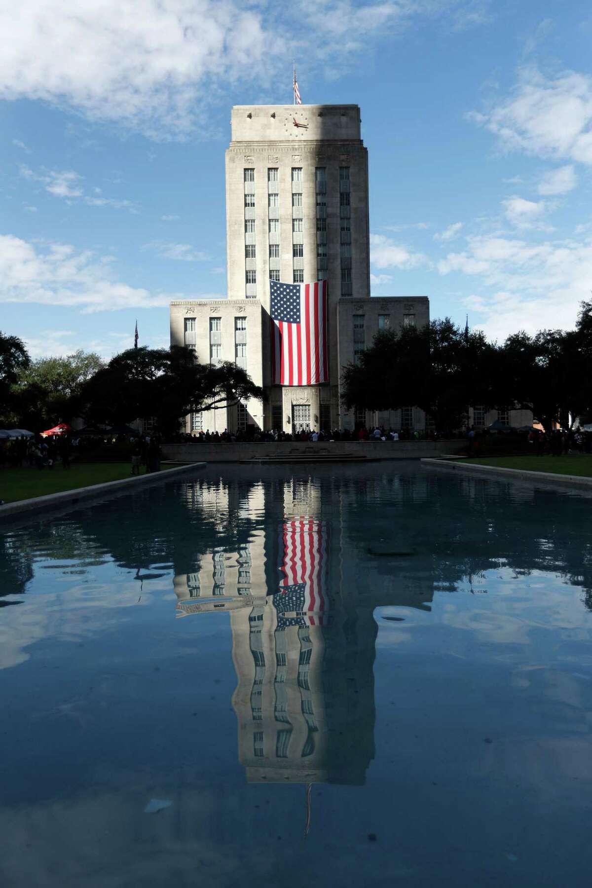 Houston City Hall on Veterans Day on Nov. 11, 2016, in Houston. ( Karen Warren / Houston Chronicle )