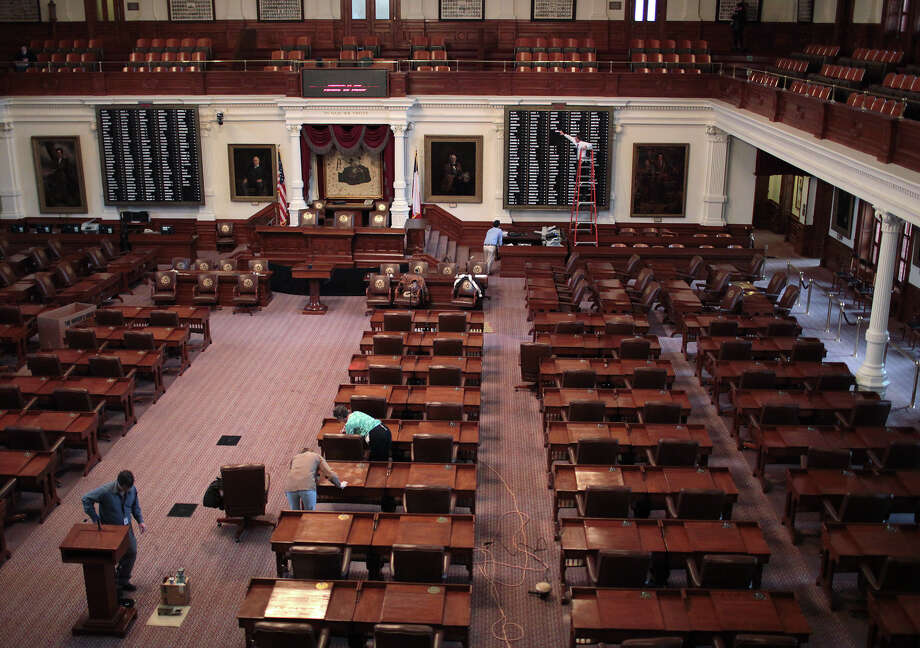 Texas House lawmakers often spend long days and nights at the Capitol debating policies during a 140-day legislative session. Before the next one kicks off in January, House Speaker Joe Straus wants a workgroup of 10 members to draft recommendations to help the chamber combat sexual harassment and support a professional work environment. (File Photo) Photo: Jerry Lara, Staff / © 2012 San Antonio Express-News