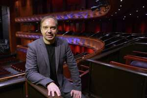 San Antonio Symphony Music Director Sebastian Lang-Lessing conducted two Mozart symphony during Friday night's concert.