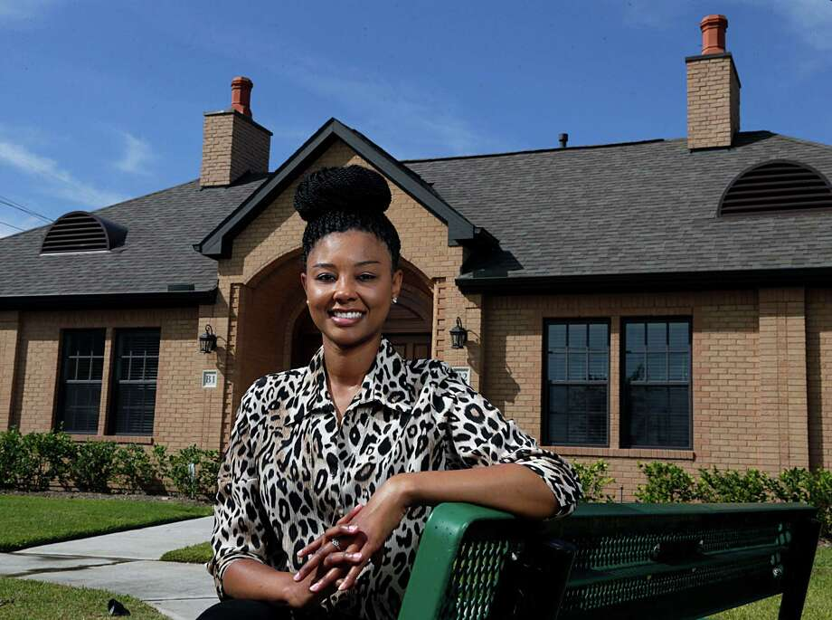 Raina Bailey is the single-parent family coordinator for the Presbyterian Children's Homes and Services program. Photo: James Nielsen, Staff / © 2016  Houston Chronicle