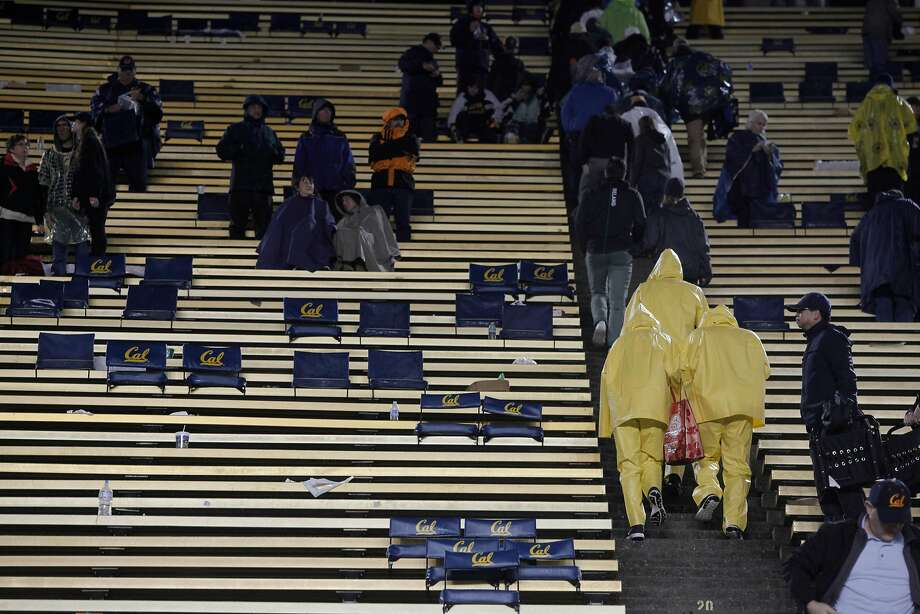 Fans leave soon after a November football game ends and UC Berkeley. Photo: Gabriella Angotti-Jones, The Chronicle