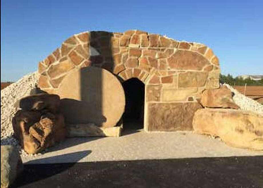 """The """"Tomb of Jesus,"""" a popular roadside attraction near Brownfield, Texas, caught fire on Nov. 19, 2016. Police are investigating the blaze as arson. Photo: RoadsideAmerica.omc"""