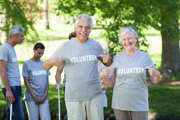 Volunteers plentiful among residents of senior living communties.