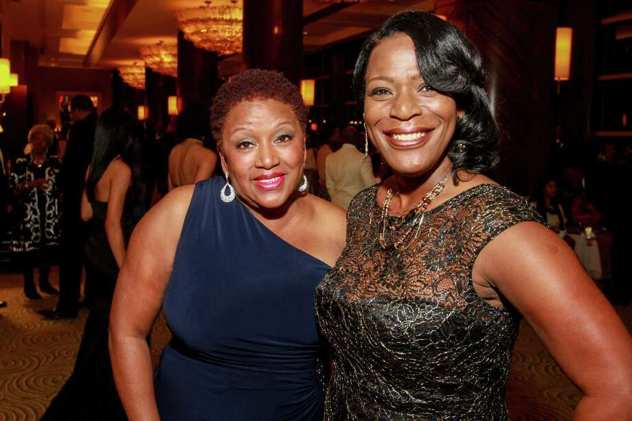 Sheryl Hunter, left, and Marvalette Hunter at the UNCF gala.  (For the Chronicle/Gary Fountain, November 19, 2016) Photo: Gary Fountain, Gary Fountain/For The Chronicle / Copyright 2016 Gary Fountain