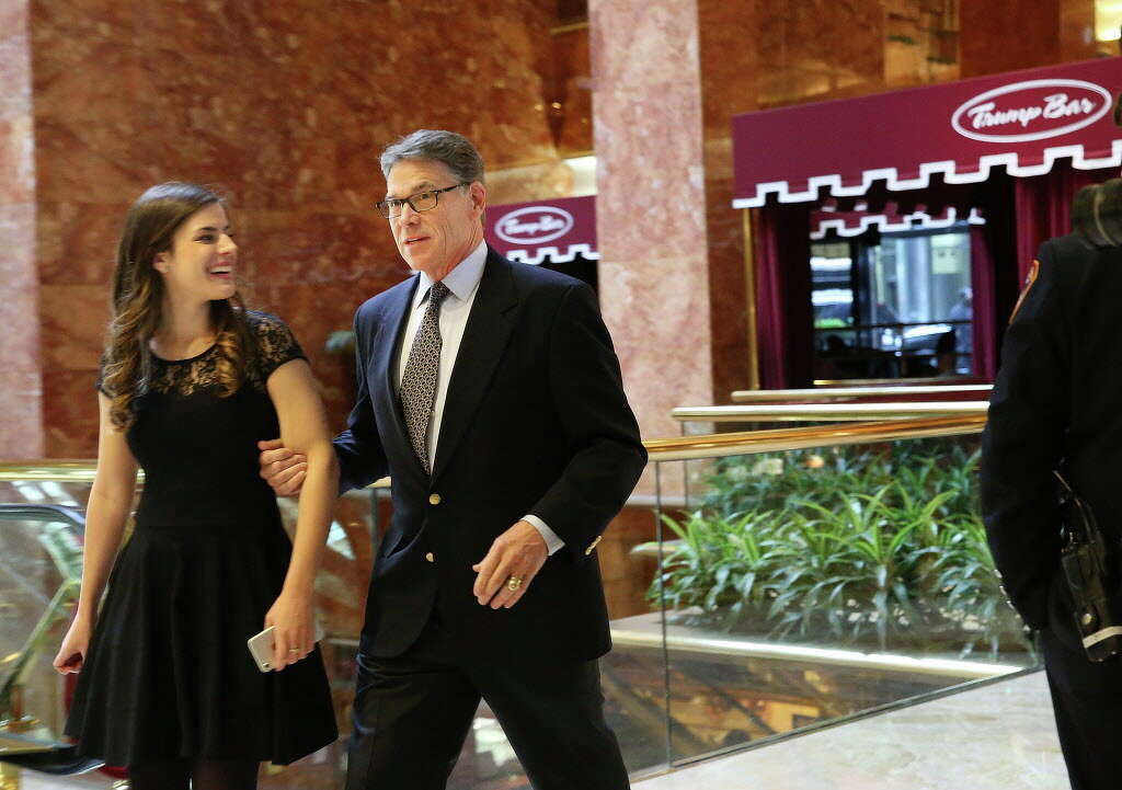 Rick Perry, on list for cabinet post, meets with Donald Trump ...
